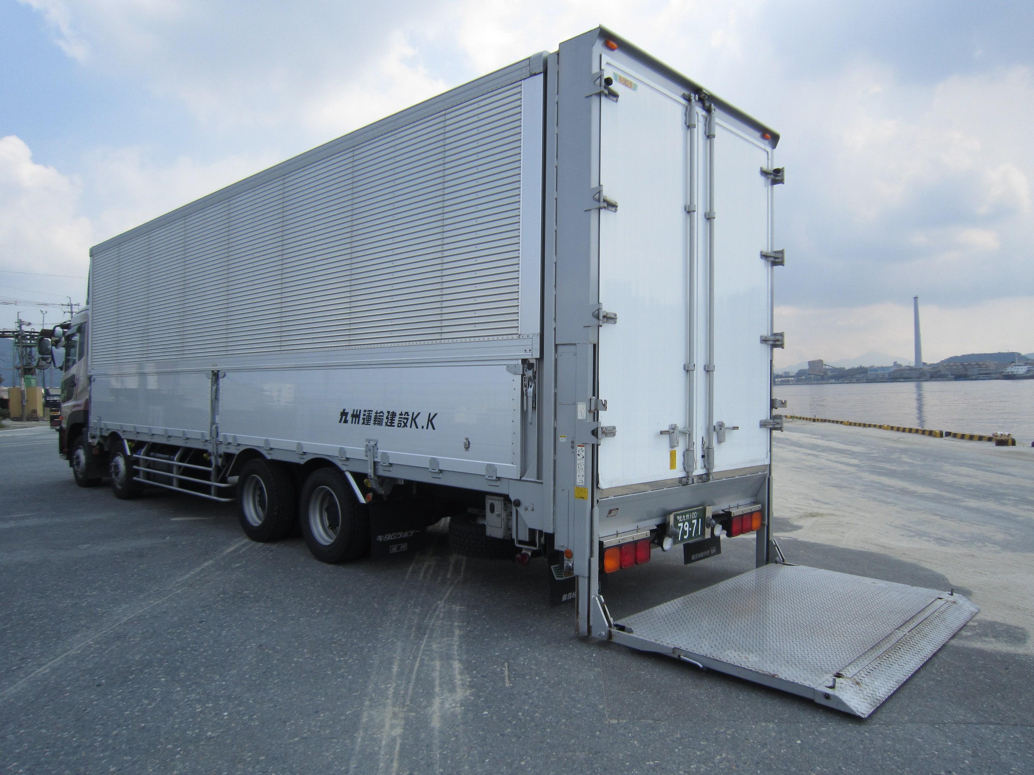 大型ウイング|産業廃棄物収集運搬|九州運輸建設株式会社|北九州市